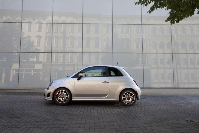 Nouvelle Fiat 500 Turbo: vive la mode 80's!