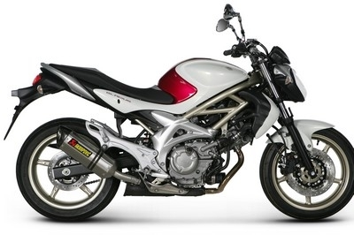 Slip-On Akrapovic pour la Gladius : quelques precisions.