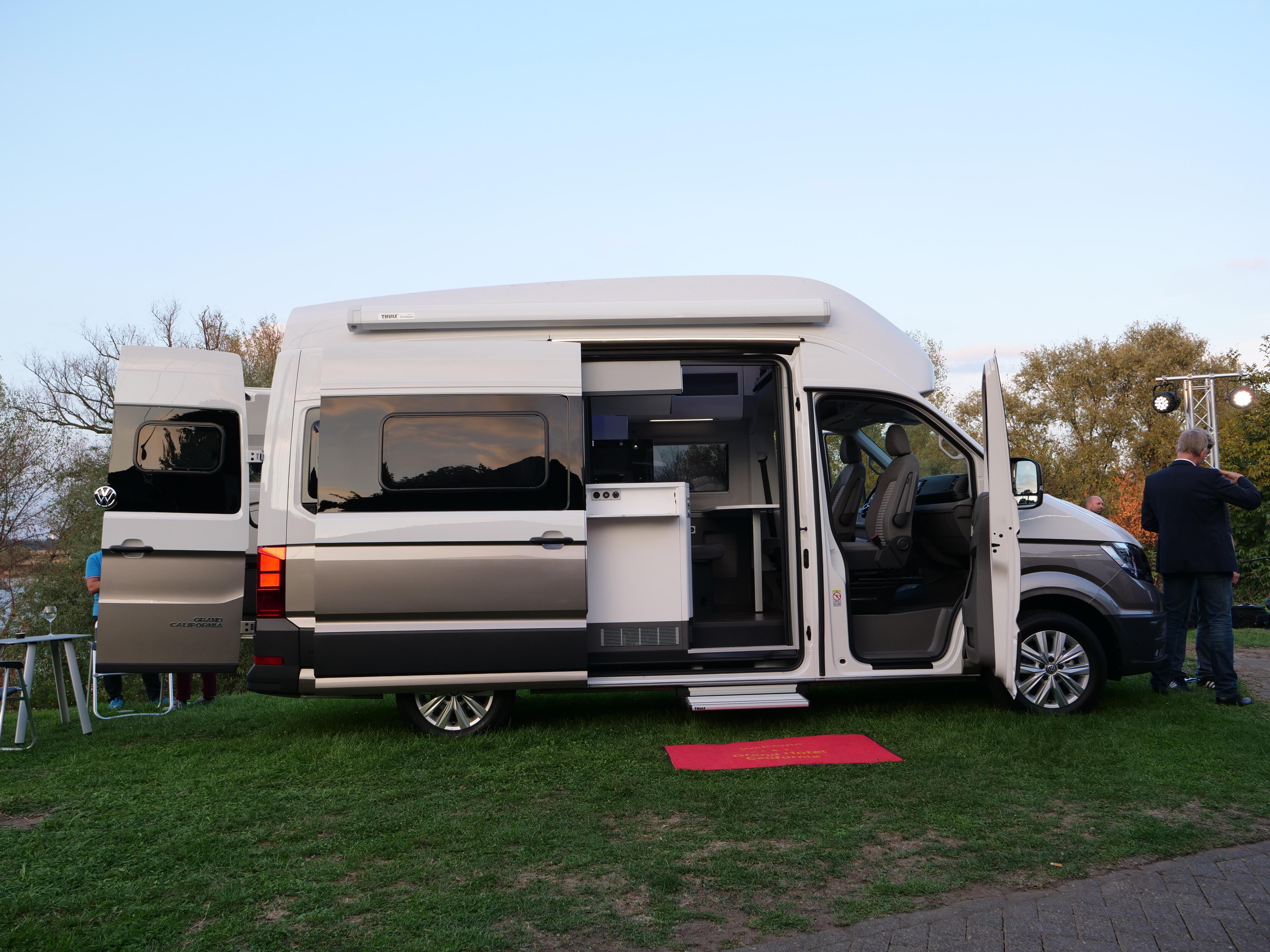 28309ef997 Présentation statique vidéo - Volkswagen Grand California   monsieur plus