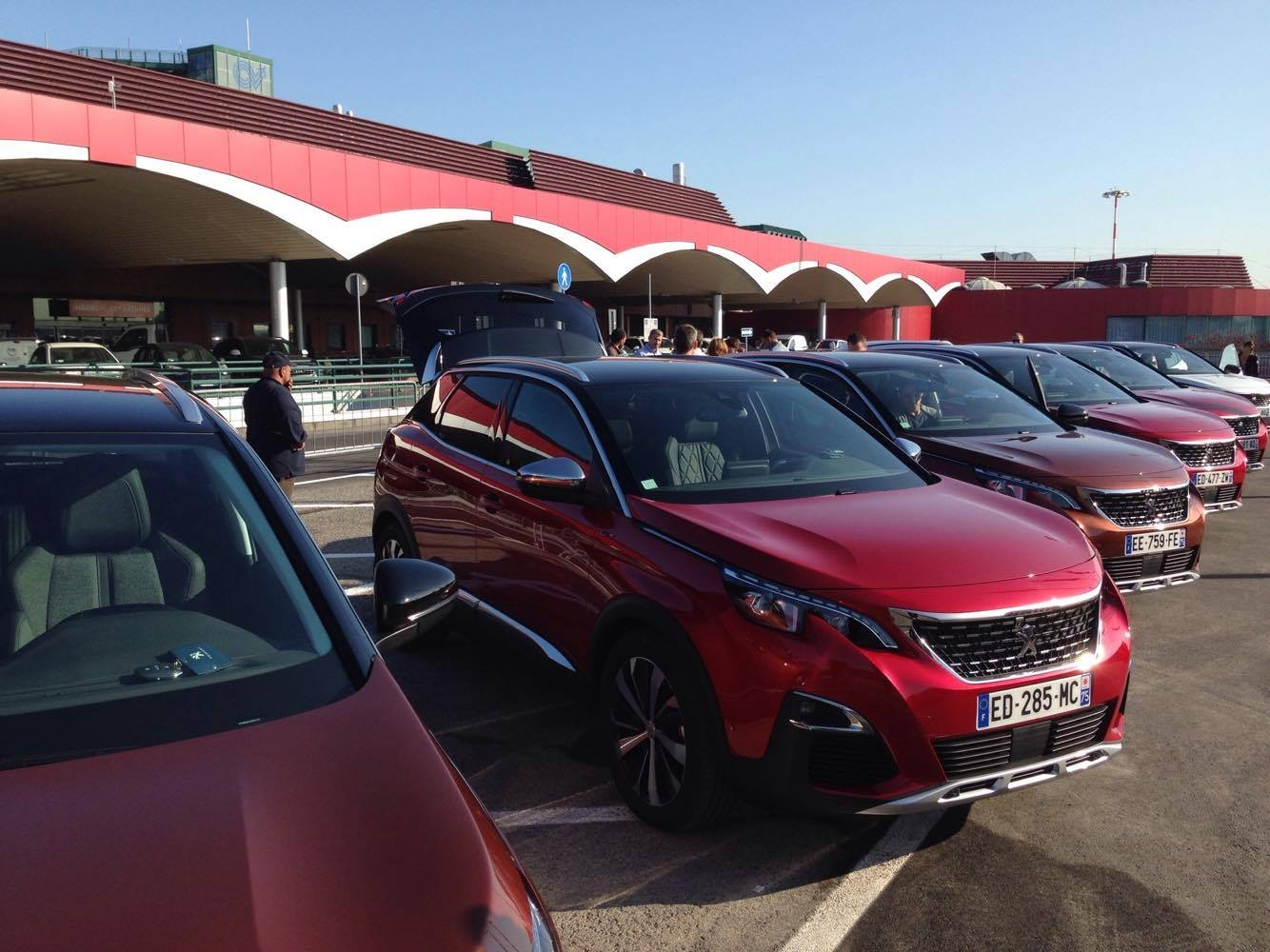 Forum Nouveau Peugeot 3008 : votre couleur pr f r e pour le nouveau peugeot 3008 peugeot 3008 p84 2016 forum forum ~ Medecine-chirurgie-esthetiques.com Avis de Voitures