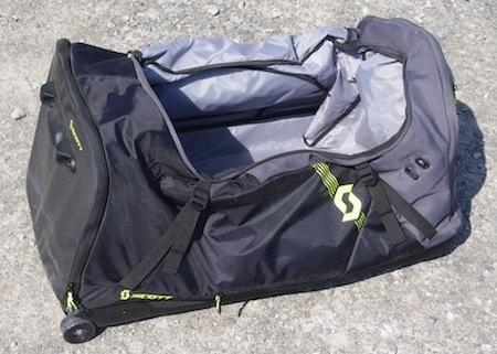 essai sac de voyage roulettes scott gear duffle pr t pour la moto et les vacances. Black Bedroom Furniture Sets. Home Design Ideas