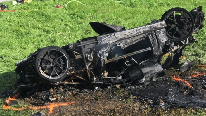 Gros crash pour richard hammond pendant le tournage de the grand tour - Grand four electrique ...