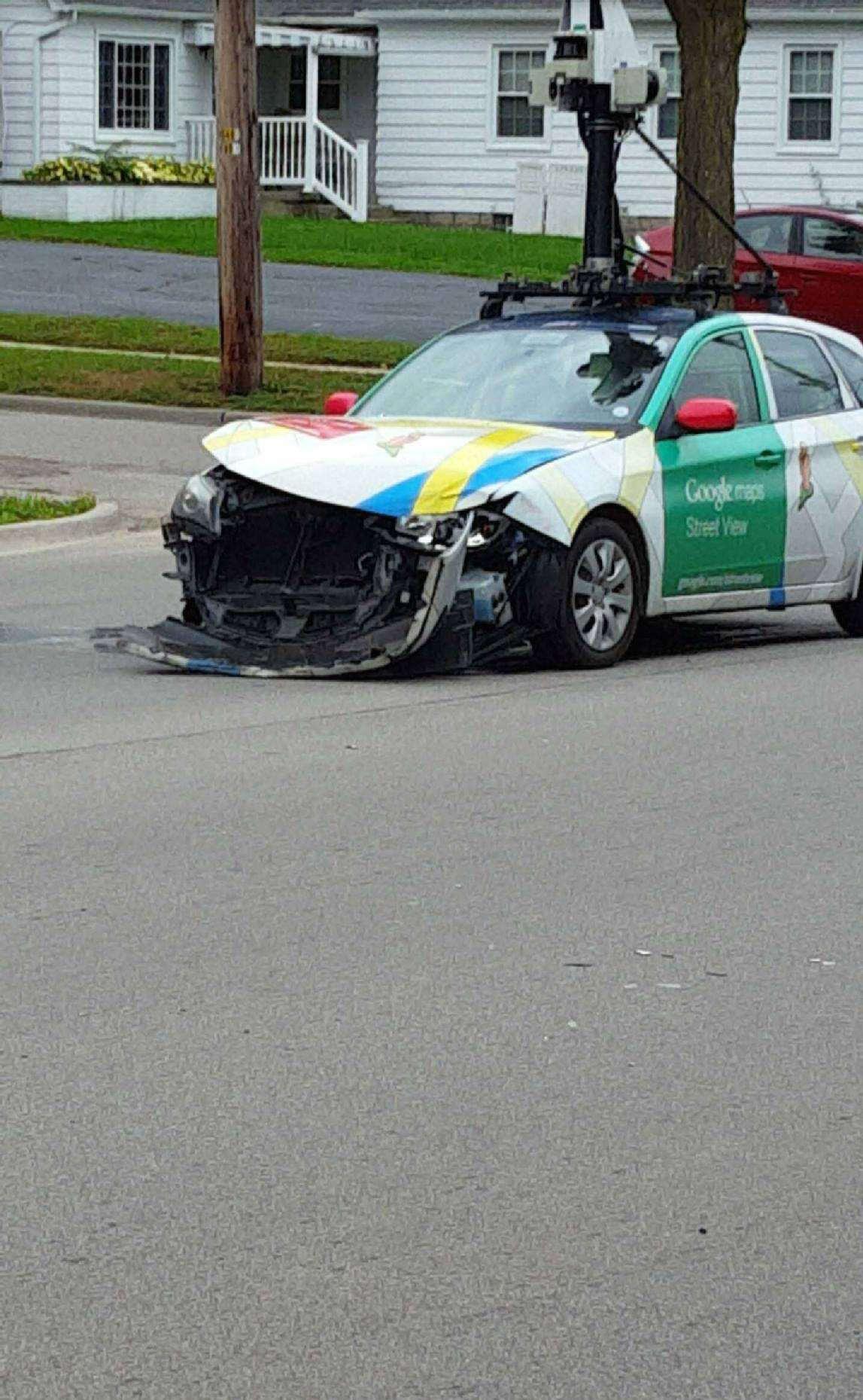 Crash Une Voiture Google Street View Au Tas
