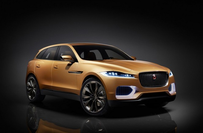 Surprise : le Jaguar F-Pace se montre enfin