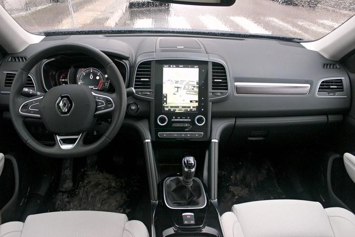 Le Renault Koleos arrive en concession : manque deux places