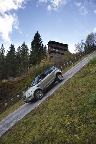 Essai - Land Rover  Range Rover Evoque SD4 : une boîte 9 pour quoi faire ?
