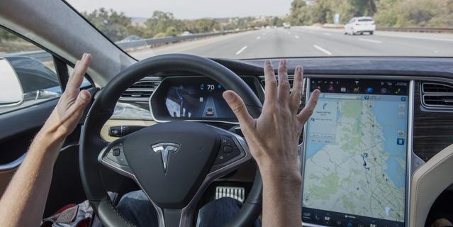 Le système Autropilot de Tesla.
