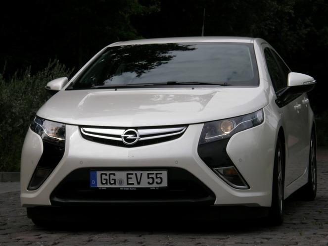 Essai vidéo - Opel Ampera : une électrique sans fil à la patte