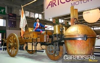 Rétromobile 2011 : le premier véhicule de l'histoire de la locomotion était un trike !!!...