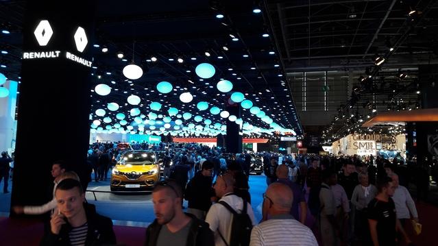 Cette année, le stand Renault a attiré du monde. Pas étonnant vu le nombre de nouveautés présentes.