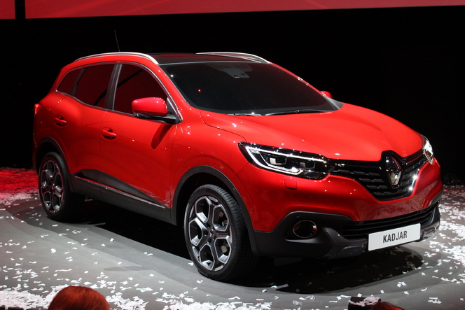 pr sentation vid o renault kadjar le qashqai du losange. Black Bedroom Furniture Sets. Home Design Ideas