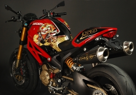 Ducati Monster 1100S «Christian Audigier» by Rever Corsa : Pour rugir de plaisir...