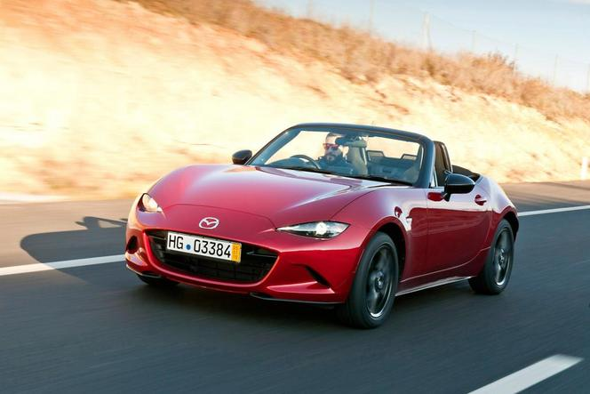 vid o premiers essais pour la nouvelle mazda mx 5. Black Bedroom Furniture Sets. Home Design Ideas