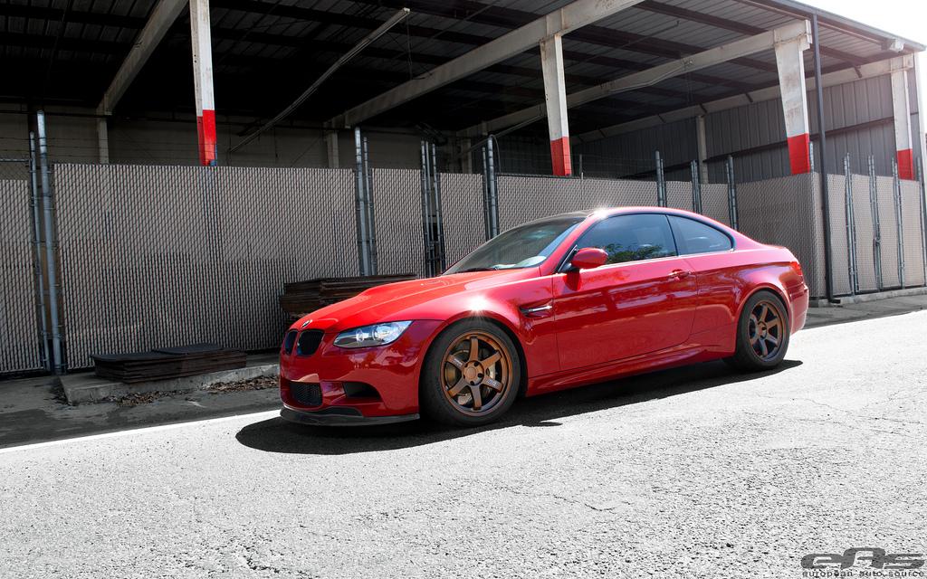 http://images.caradisiac.com/images/0/5/0/9/80509/S0-BMW-M3-E92-EAS-simplement-demoniaque-269284.jpg