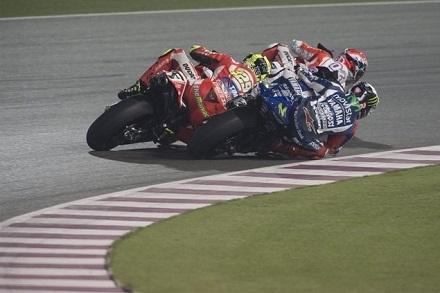 MotoGP au Qatar, les courses: Rossi et Masbou magnifiques