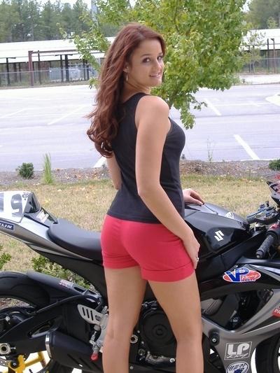 Moto & Sexy : Suzuki GSX-R numéro 919 suite