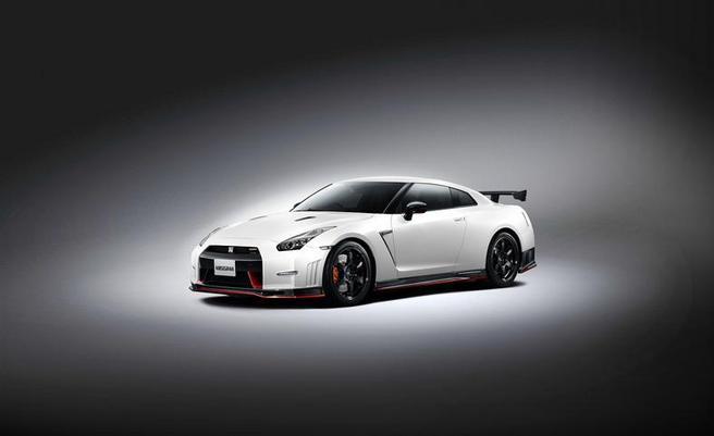 """Nissan GT-R Nismo : le Nurburgring en 7'08"""""""