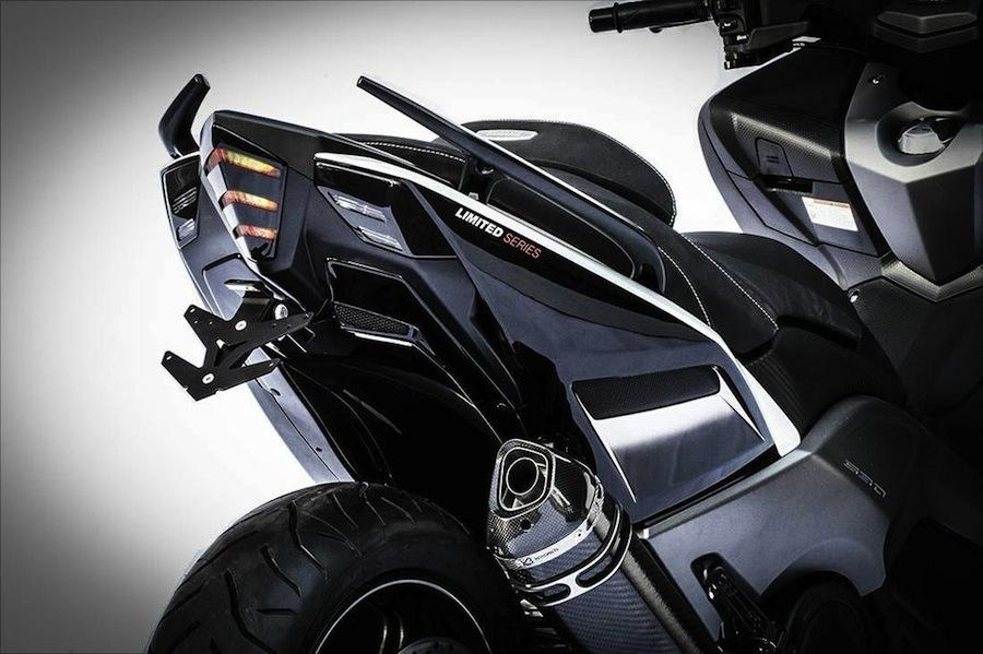 BCD : passage de roue et support de plaque pour Yamaha T-Max 530