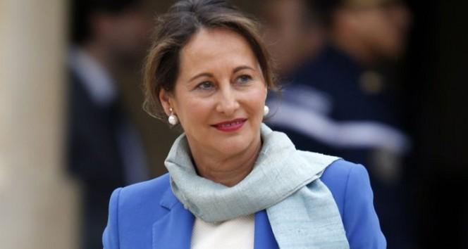 Autoroutes : le ton change, Ségolène Royal évoque un prix réduit en cas de covoiturage