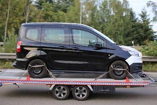 Scoop : le ludospace Ford Tourneo Courier restylé de sortie sur un plateau