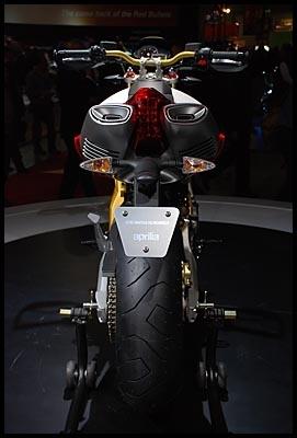 Salon de Milan en direct : Aprilia SMV 750 Dorsoduro, le frisson hypermotard
