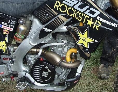 Un petit tour chez Bud Racing pour voir les motos de plus près