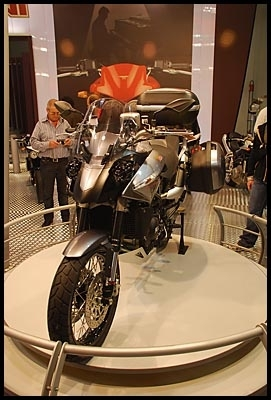 Salon de Milan en direct : Moto Morini Granpasso 1200