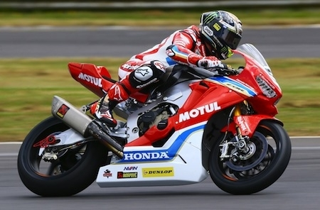 John McGuinness se blesse durant la North West 200
