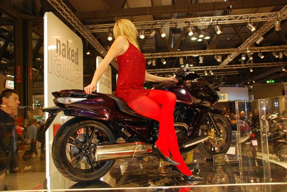 Le salon de Milan en direct : Honda DN-01