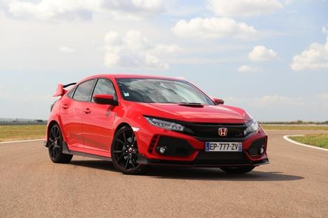 La plus exubérante : la Honda Civic Type R.