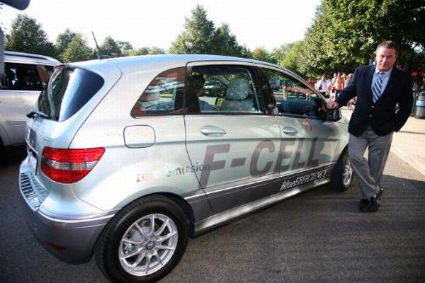 Championnat de tennis us open 2010 des mercedes s400 for Mercedes benz us open