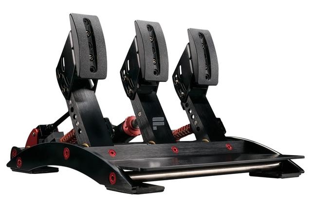 Test du Fanatec Clubsport Wheel Base 2 + CSL Steering Wheel P1, la Rolls du volant pour Xbox One et PC