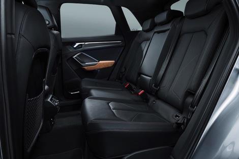 La banquette coulisse sur 15cm dans l'Audi, et c'est promis en série.