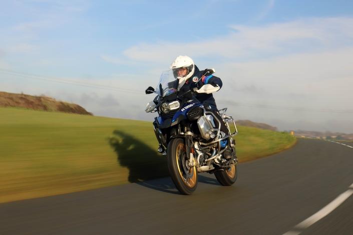 Comparatif - BMW R 1250 GS Adventure VS Honda CRF 1100 L Africa Twin Adventure Sports: les trails au sommet S1-comparatif-bmw-r-1250-gs-adventure-hp-vs-honda-crf-1100-l-africa-twin-adventure-sports-les-trails-au-sommet-615265