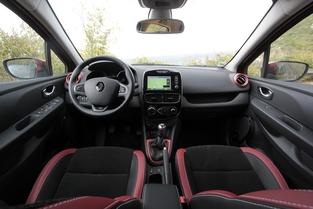 Comparatif vidéo - Citroën C3 vs Renault Clio : première place en jeu