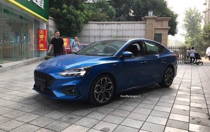 Ford lance la Focus berline en Chine