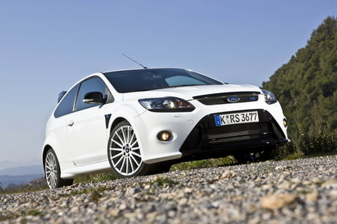 essai vid o ford focus rs la traction extraterrestre. Black Bedroom Furniture Sets. Home Design Ideas