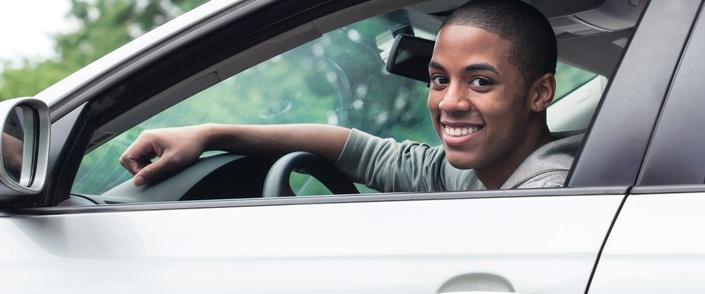 Un an de période probatoire en moins pour les jeunes permis qui suivront la nouvelle formation. Tentant.