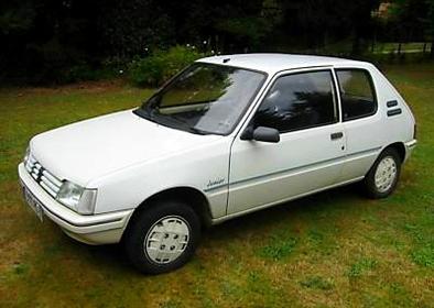 Peugeot 205 : GR ou GTI, la saga du sacré numéro qui a sauvé le Lion