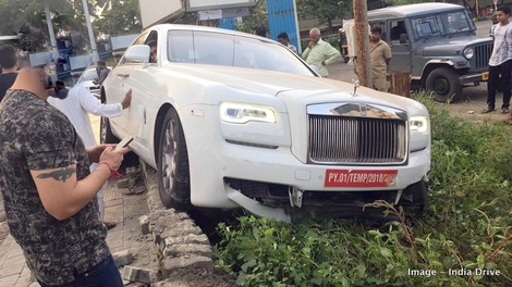 Une Rolls-Royce Ghost accidentée avant sa première immatriculation