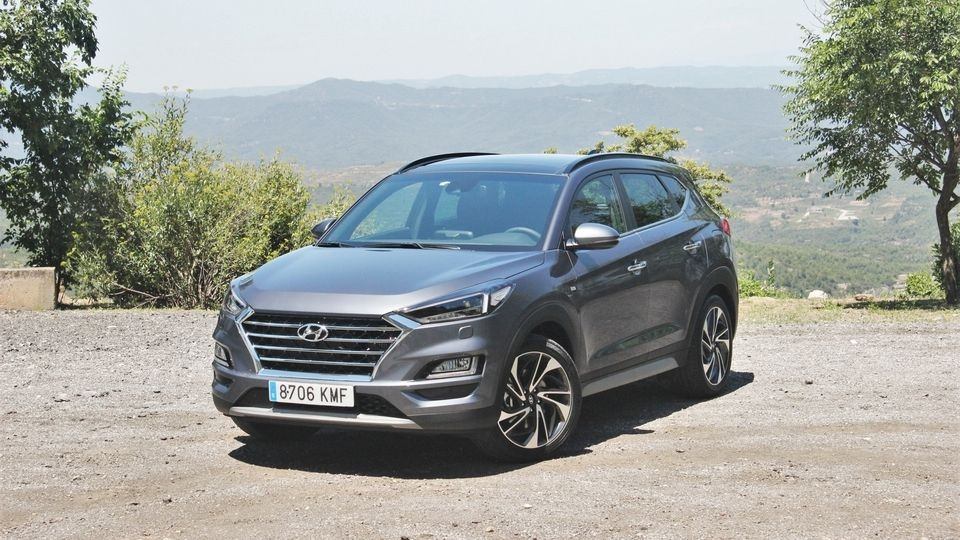le hyundai tucson arrive en concession pour jouer de la batterie. Black Bedroom Furniture Sets. Home Design Ideas
