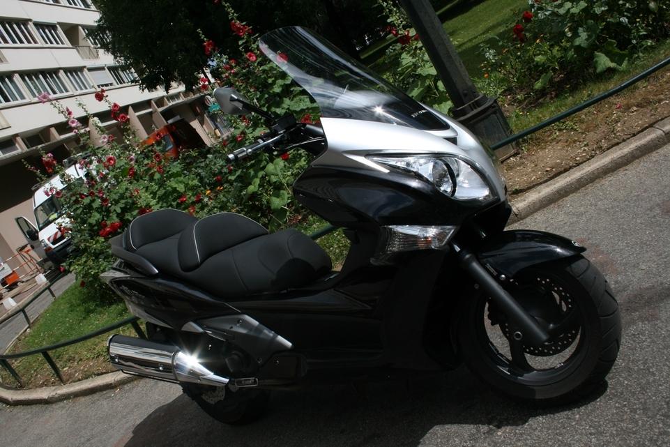 Honda SW-T 400 : Sobriété et élégance