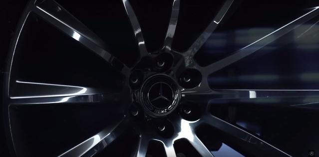 Mercedes : premier teaser pour le pickup, en concept