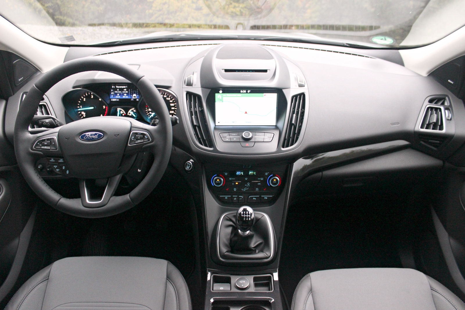 Essai vid o ford kuga restyl 2016 un lourd h ritage for Interieur ford kuga