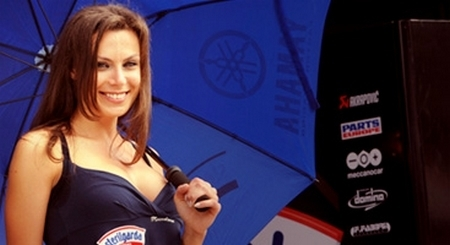 Miss Yamaha Racing 2009 : On recrute pour le Superbike de Magny-Cours !!