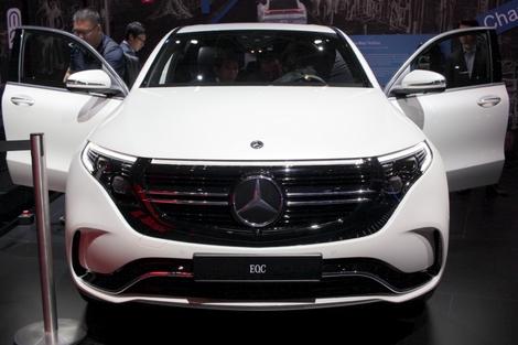 En partant d'un GLC, Mercedes a su donner une personnalité stylistique forte à l'EQC.