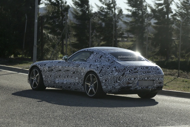 Surprise : la future Mercedes AMG GT plus clairement