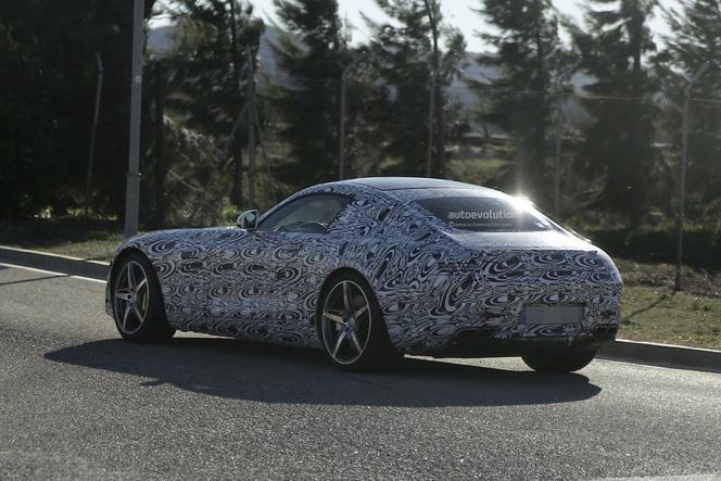 Surprise : la future Mercedes AMG GT plus clairement