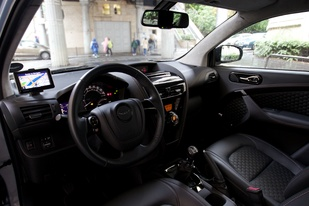 Essai vidéo - Aston Martin Cygnet : drôle d'amalgame