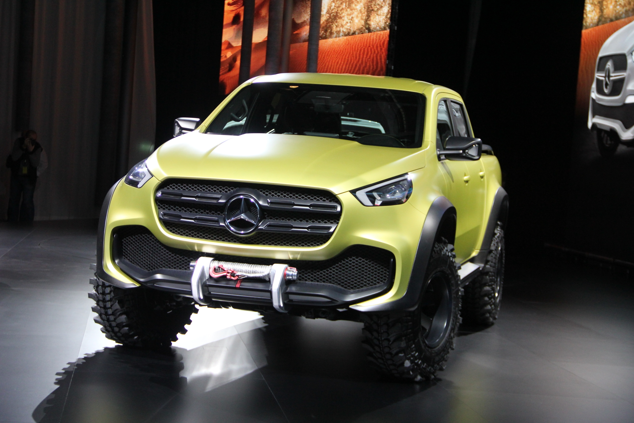pr sentation mercedes x class concept le pick up du patron. Black Bedroom Furniture Sets. Home Design Ideas